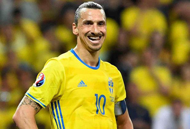 O gigante sueco Ibrahimovic fez um golaço pela Suécia contra a Inglaterra em um amistoso que lhe rendeu o Prêmio Puskas de 2013.