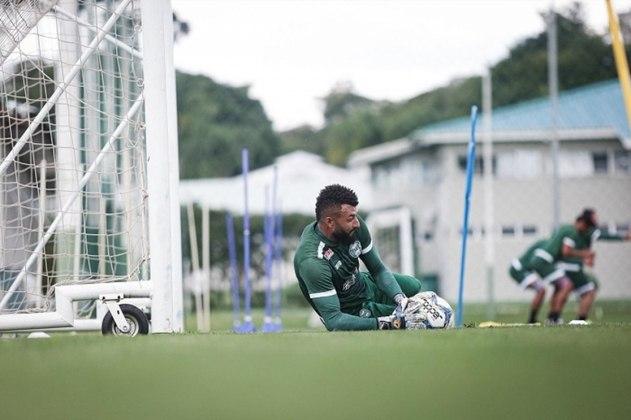 O goleiro Alex Muralha está emprestado ao Coritiba até dezembro de 2020, mesmo período que termina seu vínculo com o Flamengo.