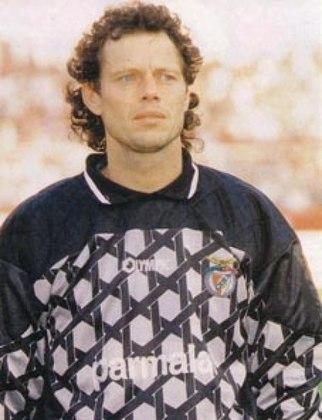 O goleiro belga Michel Preud'homme chegou a ser anunciado como reforço do Fluminense em 1999. Ele desembarcou no Rio como status de grande reforço, mas a negociação não foi acertada.