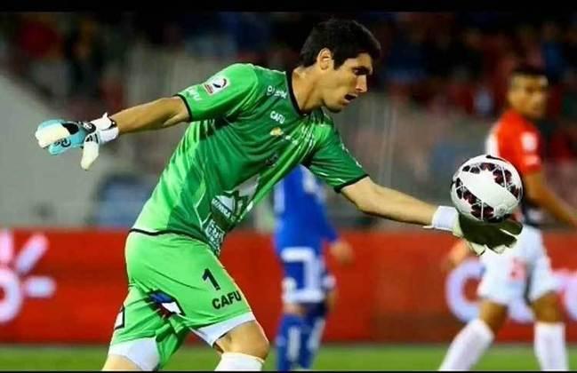 O goleiro Matias Dituro conseguiu fazer um gol de sua própria área, chutando a bola por todo o campo até chegar no gol adversário. O feito do arqueiro argentino foi o terceiro e último gol da vitória de 3 a 1 do Bolivar contra o San José, pelo Campeonato Boliviano de 2017.