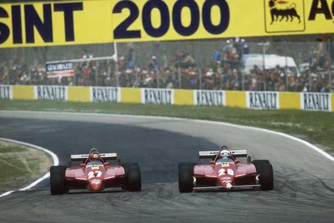 O GP de San Marino de 1982 era tenso pela crise entre FISA e FOCA, por isso apenas 14 carros disputaram a prova. Na pista, Didier Pironi superou Gilles Villeneuve no fim e armou uma confusão na Ferrari