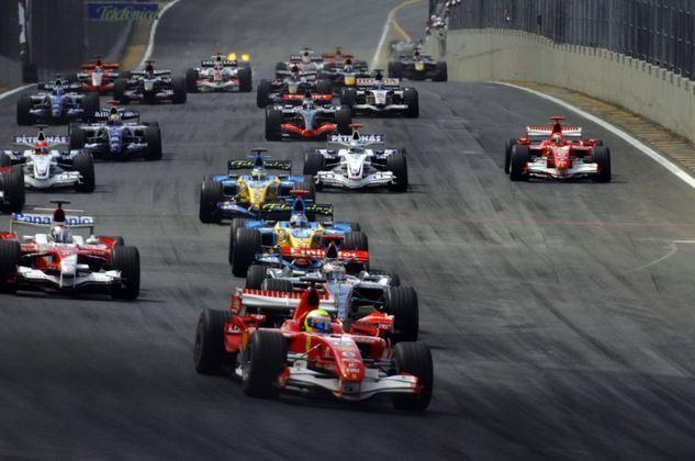 O GP do Brasil de 2006 foi a última corrida sem Lewis Hamilton no grid. Que tal relembrar as equipes e os pilotos daquele dia? (Por GRANDE PRÊMIO)