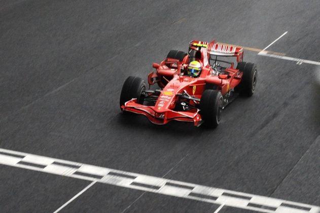 O GP do Brasil de 2008 foi a prova caótica que deu o título para Massa por alguns segundos, antes de Lewis Hamilton ultrapassar Timo Glock
