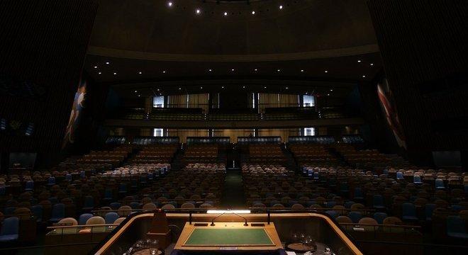 Há exatos 70 anos, o diplomata brasileiro Oswaldo Aranha inaugurou a tradição, fazendo o discurso de abertura da Assembleia Geral, o que, historicamente, daria ao Brasil a prioridade sobre o microfone