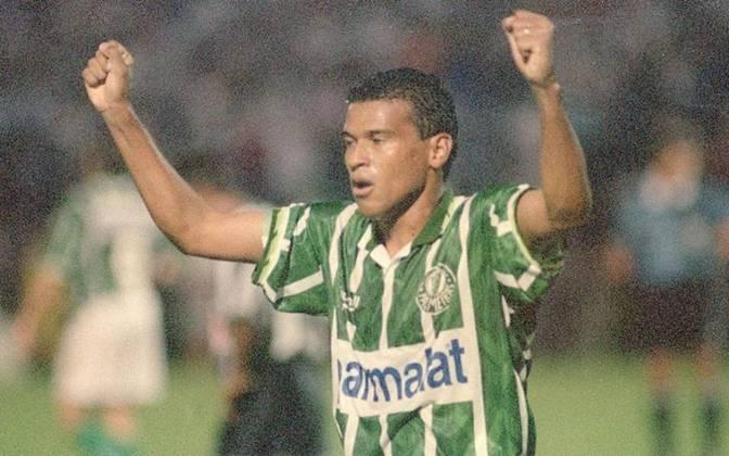 O histórico centroavante jogou no Palmeiras em 1995 e 1996, fazendo 13 gols em 30 jogos e sendo campeão do Paulistão de 1996.