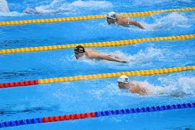 O húngaro Kristof Milak confirmou o favoritismo e conquistou a medalha de ouro nos 200m borboleta, com direito a quebra de recorde olímpico de Michael Phelps. A nova marca é de 1m51s25.