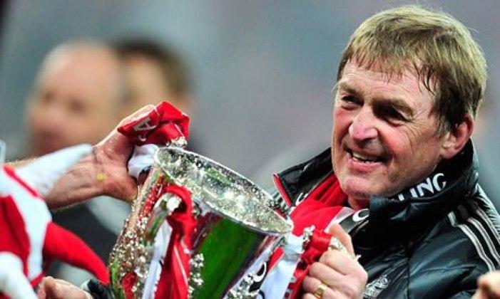 O ídolo do Liverpool Kenny Dalgish testou positivo para o novo coronavírus, segundo informou o clube inglês.
