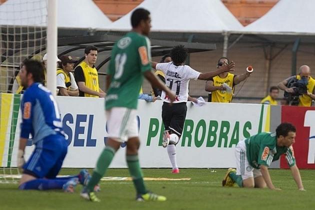 O início de um meme! Na sexta rodada do Brasileirão, o Corinthians, com o time reservas, pois estava às vésperas da final da Libertadores, saiu atrás do Dérbi, com gol marcado por Mazinho, aos três minutos de jogo, mas ainda no primeiro tempo Romarinho, recém-chegado ao Timão, marcou dois gols e virou o jogo.