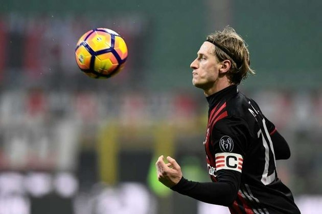 O italiano Ignazio Abate não joga desde julho de 2019. Tem valor de mercado de 2 milhões de euros (R$ 13,2 milhões) e seu último clube foi o Milan.