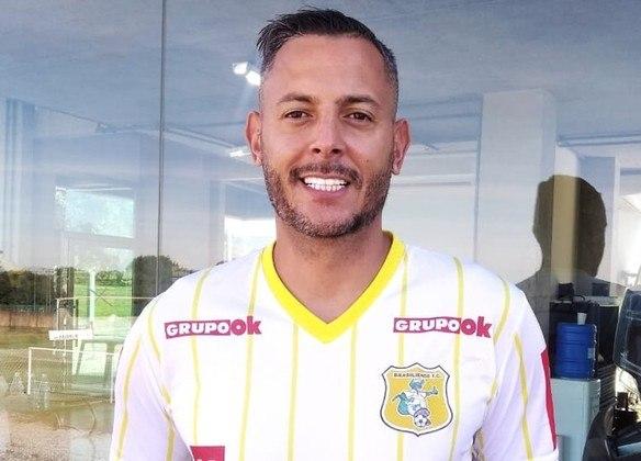 O Jacaré conta na meta com FERNANDO HENRIQUE. O goleiro de 37 anos, que passou pelo Fluminense, Ceará, Santo André e por clubes modestos, é titular da equipe candanga