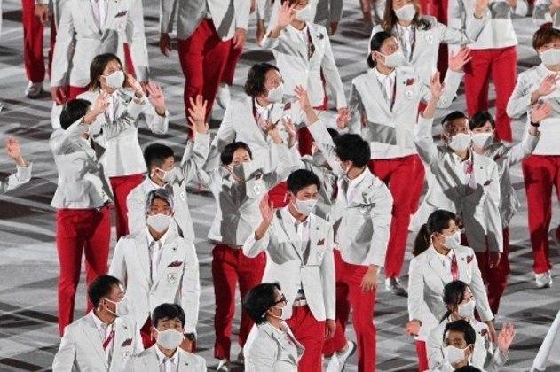 O Japão encerrou o desfile dos países com uma grande festa. O jovem Rui Hachimura, do basquete masculino, que atua na NBA, foi um dos destaques da delegação.
