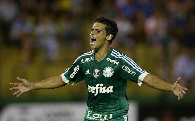 O jogador assinou com o Palmeiras em 2016, participando da conquista do Brasileirão daquele ano e do Brasileirão de 2018. Jean está no clube até hoje, embora não esteja jogando, e passou por um empréstimo em 2020. Até o momento, ele jogou 126 jogos pelo Verdão, marcando 12 gols.