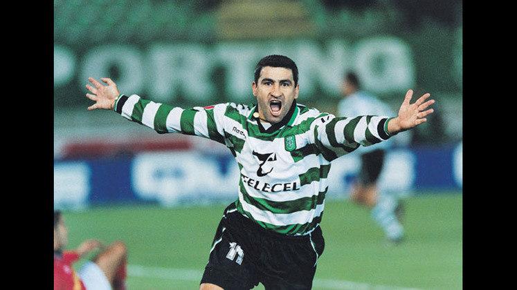O jogador da seleção chilena, Alberto Federico Acosta, jogou com seu filho em 2009, no time argentino Club Atlético Fénix.