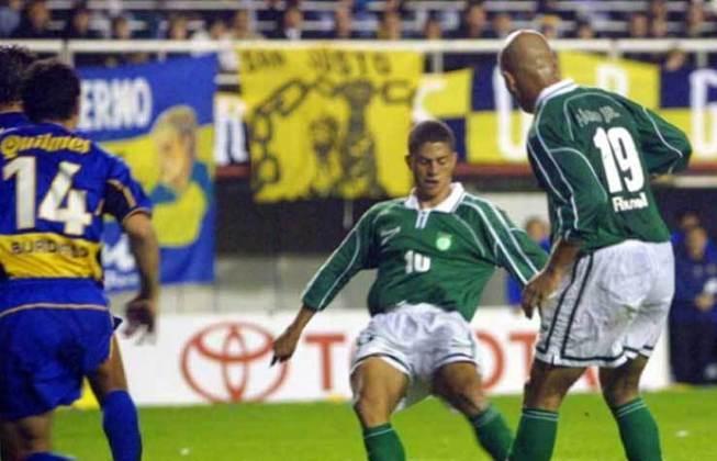 O jogo de volta terminou com eliminação palmeirense nos pênaltis após novo empate por 2 a 2. O Palmeiras ficou na bronca com a arbitragem de Ubaldo Aquino
