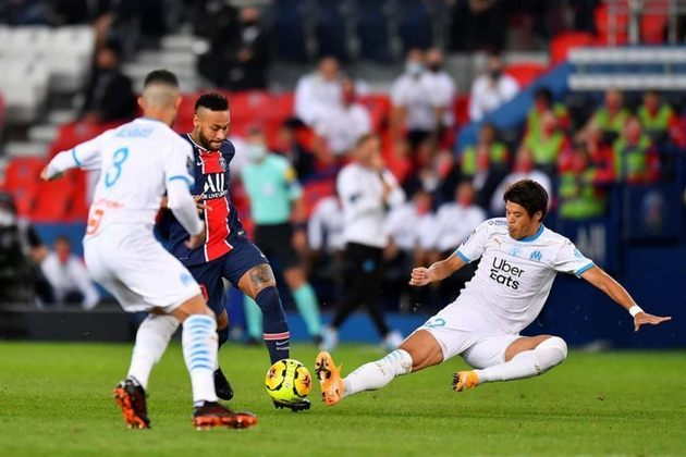 O jogo entre Paris Saint-Germain e Olympique de Marselha, disputado no dia 13 de setembro de 2020, permitiu que cinco mil torcedores acompanhassem a partida das arquibancadas do Parque dos Príncipes.