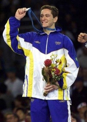 O judoca Tiago Camilo foi medalha de prata nos Jogos de Sydney, na Austrália, em 2000. A segunda colocação do atleta foi obtida na categoria até 73kg, após derrota para um italiano.