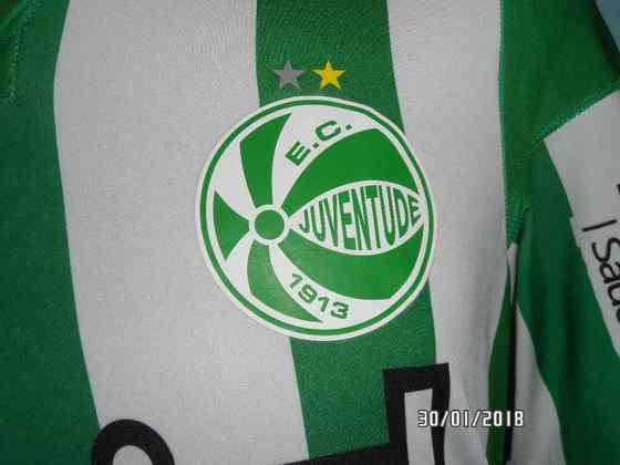 O Juventude possui em seu escudo duas estrelas, uma dourada e uma prateada. Dourada pela Copa do Brasil de 1999 e a prateada pela Série B de 1994.