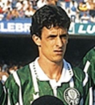 O lateral Cláudio Guadagno foi tricampeão brasileiro entre 1992 e 1994. O primeiro ano pelo Fla e os outros dois pelo Verdão.
