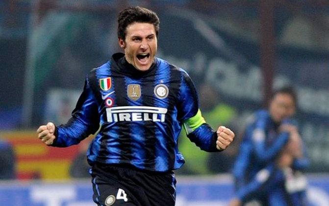 O lateral-direito argentino Javier Zanetti fez história com a seleção argentina e com a Inter de Milão