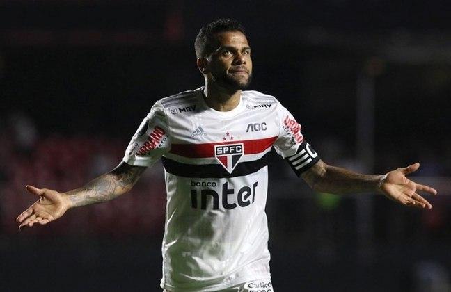 O lateral-direito Daniel Alves sempre foi um dos líderes dos times por onde passou. Com tanta experiência durante a carreira, o camisa 10 do São Paulo poderia ser um bom técnico no futuro.