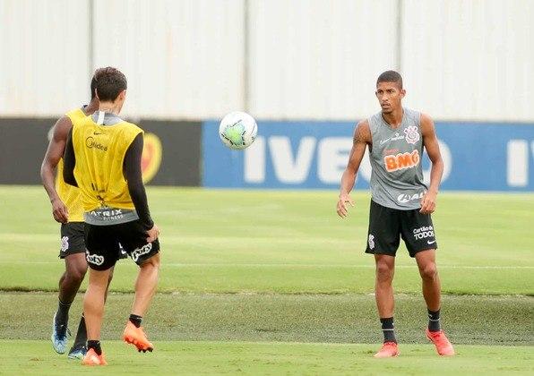 O lateral-direito Igor Formiga foi um dos jogadores do sub-23 que integraram o treino desta sexta-feira.
