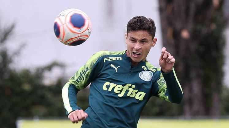 O lateral-esquerdo Diogo Barbosa jogou por 130 minutos.