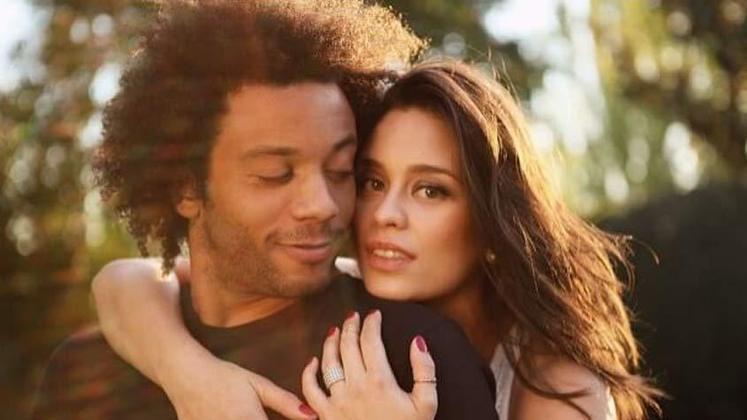 O lateral-esquerdo Marcelo é casado com a atriz Clarice Alves, que já fez participação em uma novela da Globo. Os dois estão juntos desde 2008.