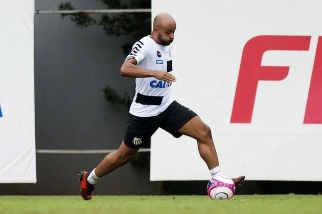 O lateral-esquerdo Romário está emprestado ao Cuiabá até dezembro de 2020. Já seu vínculo com o Santos termina em dezembro de 2022.