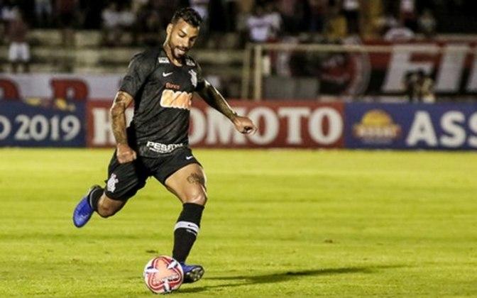 O lateral Michel Macedo tem contrato com o Corinthians até dezembro de 2021.