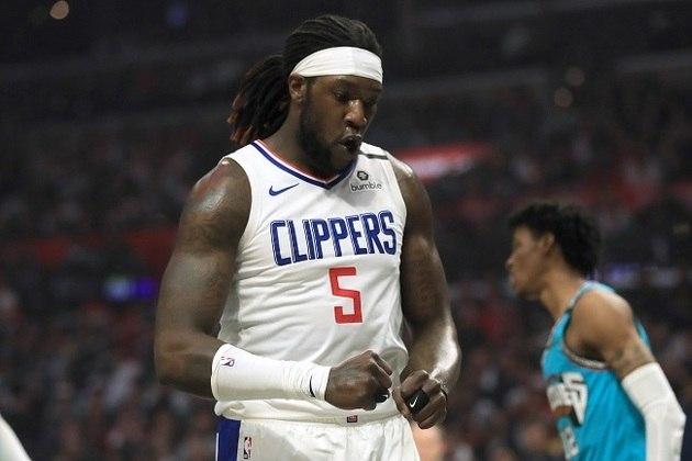 """O Los Angeles Clippers sofreu várias """"baixas"""" ao longo da semana, mas, aos poucos, o elenco angelino está sendo reestabelecido. De acordo com Chris Haynes, do site Yahoo! Sports, os pivôs Montrezl Harrell e Ivica Zubac se reapresentaram à franquia na noite da última sexta-feira."""