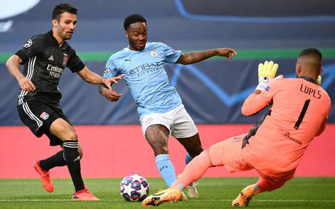 O Manchester City foi comprado em 2008 por 240 milhões de libras (R$ 1,2 bilhão). Aos poucos, foi lucrando com os feitos da equipe e também vendeu participações nas ações.