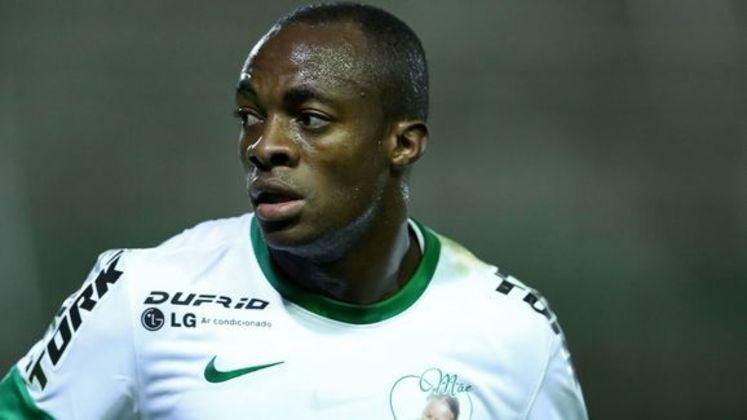 O meia angolanoGeraldo teve passagem pelo Coritiba e é lembrado pelo gol em cima do do rival Athletico-PR, que valeu título estadual de 2010