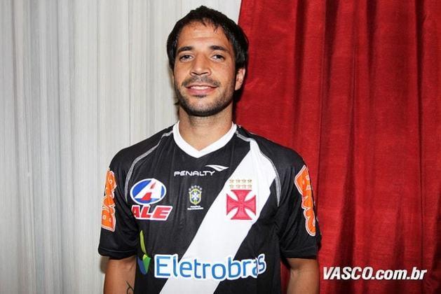 O meia argentino Abelairas chegou ao Vasco em 2012 como esperança de qualidade no meio. No entanto, jogou apenas quatro jogos e não deixou saudades. Atualmente ele defende o Atlético Palmaflor, da Bolívia.