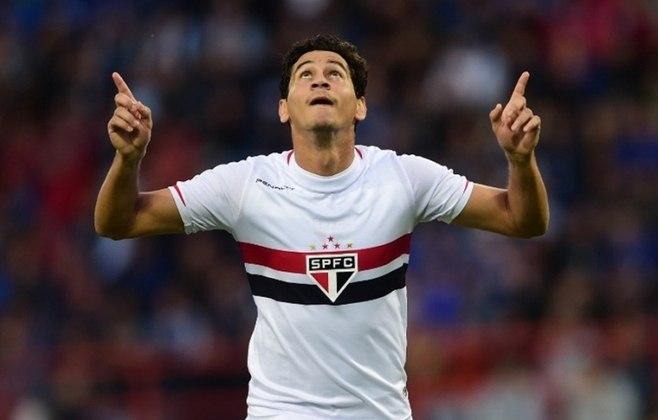 O meia chegou do Santos em 2012, jogando 221 jogos, com 24 gols e 49 assistências. Foi campeão da Sul-Americana de 2013