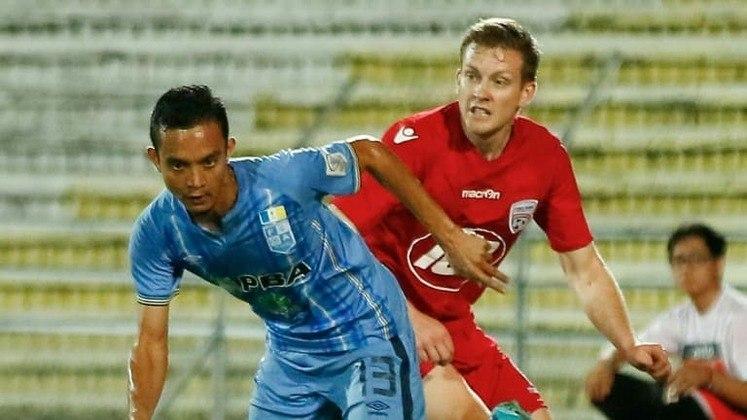 O meia Faiz Subri nasceu na Malásia e de lá nunca saiu. Até hoje defende o Penang no Campeonato Malaio. Foi por esse clube o gol que anotou para ganhar a premiação de 2016.