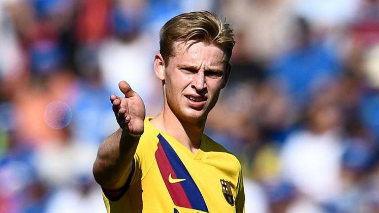 O meia Frenkie de Jong trocou o Ajax pelo Barcelona por 75 milhões de euros, em 2019.