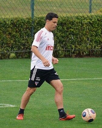 O meia Hernanes tem contrato com o São Paulo até dezembro de 2021.