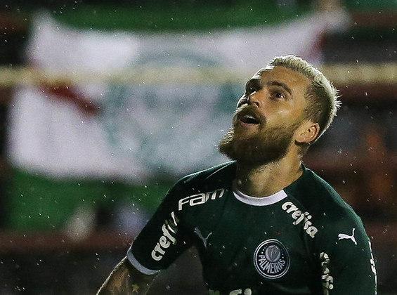 O meia Lucas Lima começou o ano como titular, mas só saiu do banco para jogar uma vez.