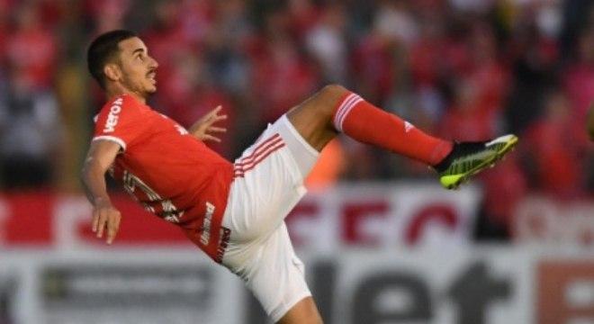O meia Thiago Galhardo se destaca pela sua inteligência na leitura de jogo e demonstra ser bastante estudioso. Sem dúvidas seria uma boa opção de treinador para o futuro.