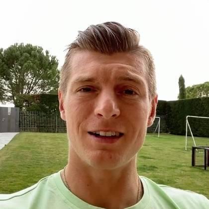 O meia Tony Kroos, do Real Madrid (ESP), gravou um vídeo pedindo para as pessoas se cuidarem e pensarem também no próximo