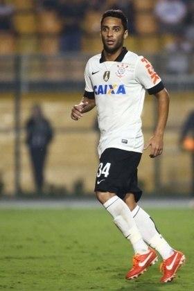 O meio-campista Ibson foi contratado pelo Corinthians em 2013 após ter retornado ao Flamengo. Sua passagem no Parque São Jorge foi pálida, com 26 partidas e nenhum gol sequer.