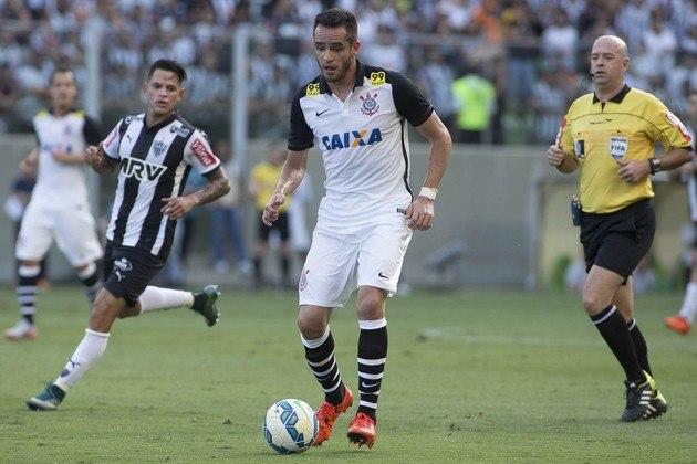 O meio-campista Renato Augusto é o sétimo, com 30 assistências entre 2013 e 2015 no Corinthians.
