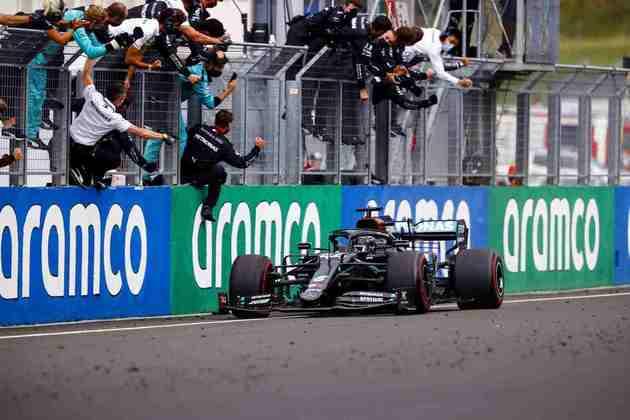 O mesmo aconteceu no GP da Hungria, quando assumiu a liderança do campeonato.