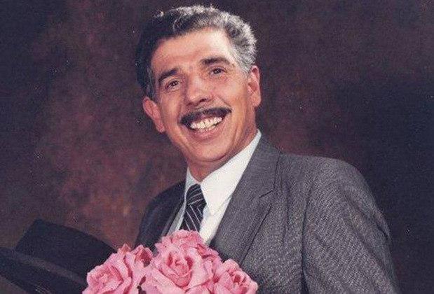 O Mestre Linguiça... Girafales preferia o beisebol e as touradas, esportes muito mais populares no México na época. Já o ator Rubén Aguirre era fã do Pumas.