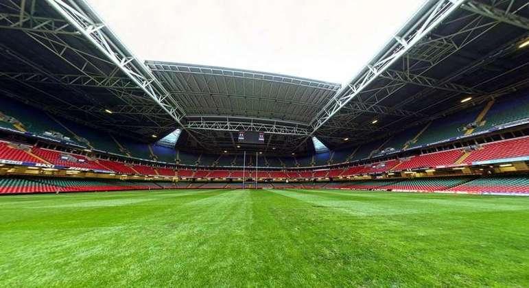 O Millennium Stadium, ou Principality Stadium, é mais um estádio a auxiliar no combate ao novo coronavírus. A casa da seleção do País de Gales contará com até 2 mil leitos para ajudar infectados pela doença. O localfoi palco da final da Liga dos Campeões em 2017.