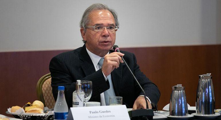 Em reunião virtual de ministros, Guedes afirmou que Brasil surpreenderá