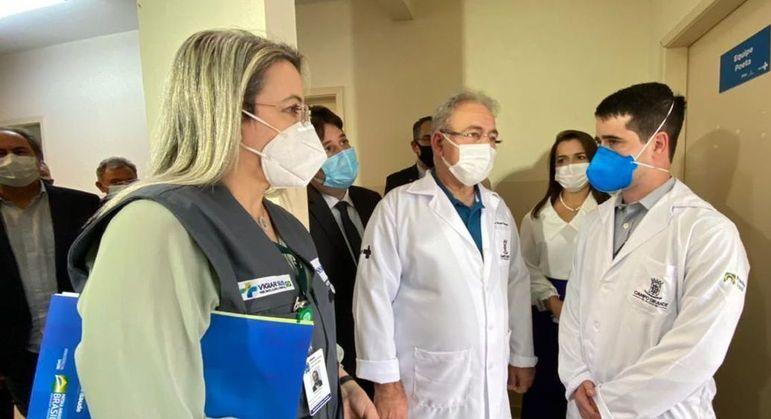 Queiroga: 'Como anunciar a terceira dose se não aplicamos a primeira dose em 100% da população brasileira?'