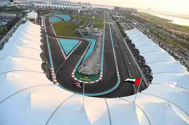 O moderno circuito de Yas Marina, em Abu Dhabi, é outra obra do arquiteto. A praça fecha o calendário da Fórmula 1 desde 2014