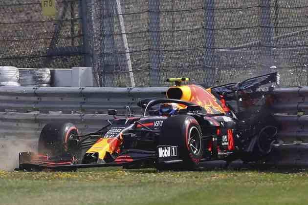 O momento da pancada de Alexander Albon em Silverstone
