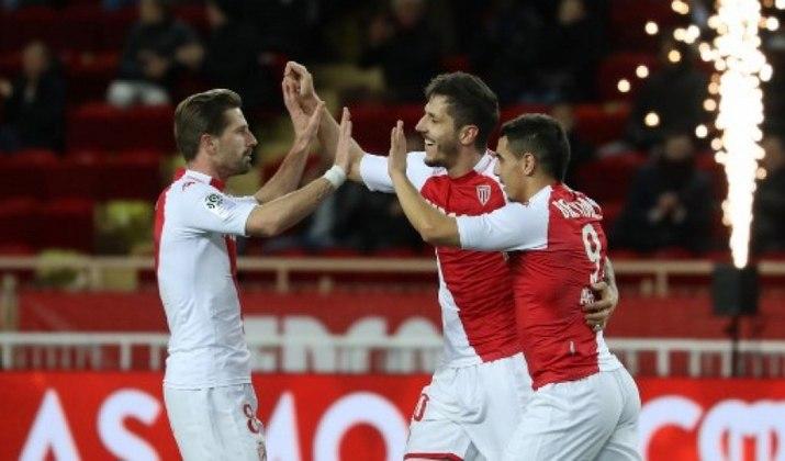 O Monaco é outro clube francês que disputou uma final de Champions desde 1993. A equipe do Principado perdeu para o Porto em 2004.